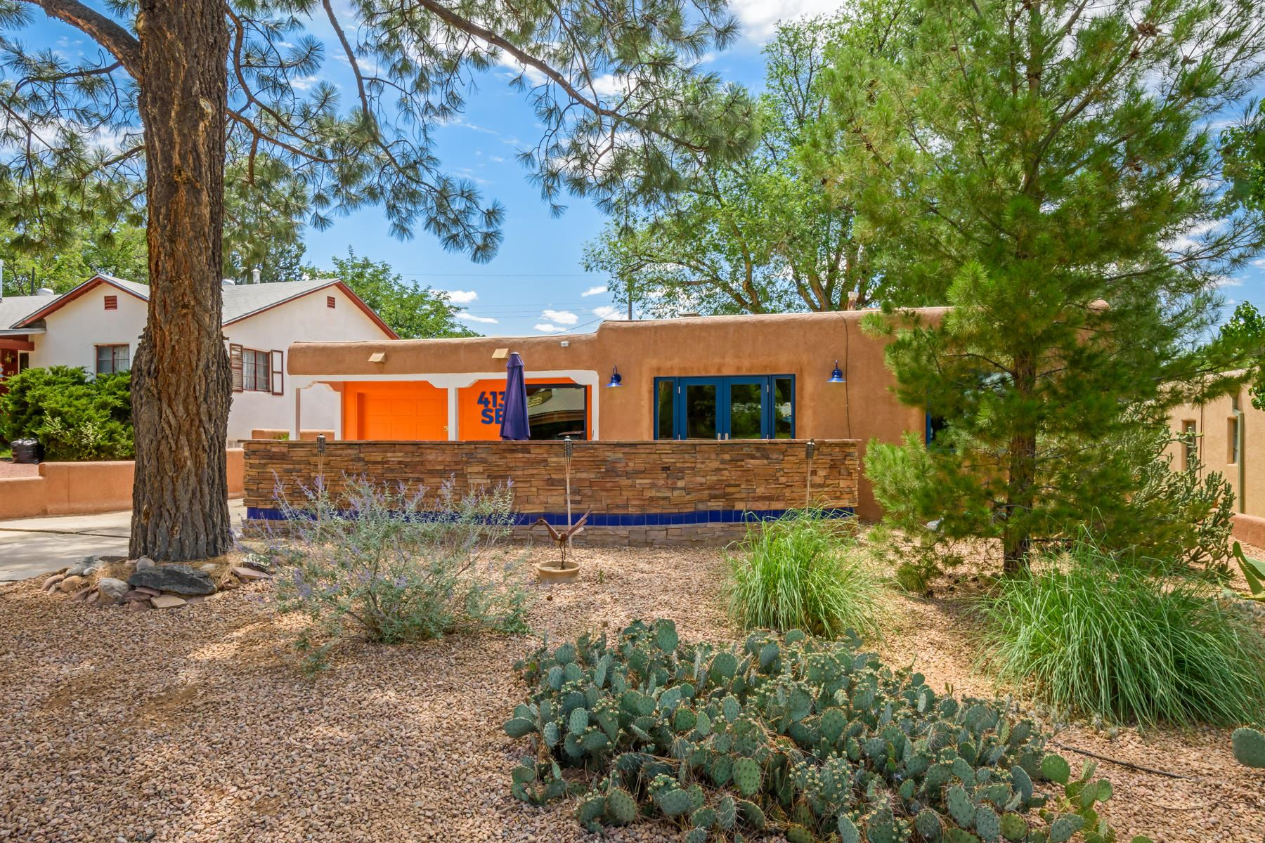 Photo of 413 MONTCLAIRE Drive SE, Albuquerque, NM 87108 (MLS # 971575)