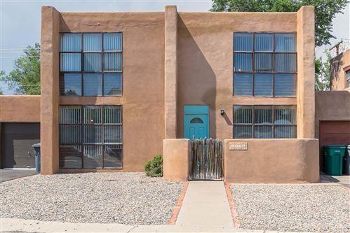 Photo of 343 Sarah Lane NW, Albuquerque, NM 87114 (MLS # 996581)