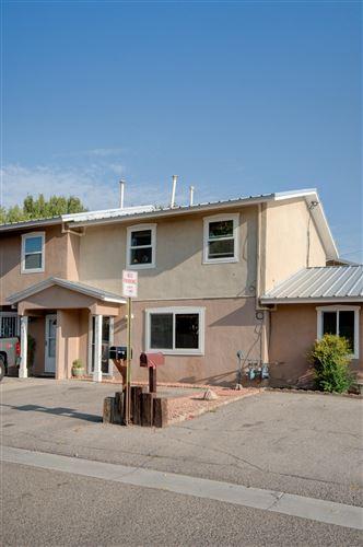 Photo of 637 CAMINO FLORETTA NW, Albuquerque, NM 87107 (MLS # 977586)