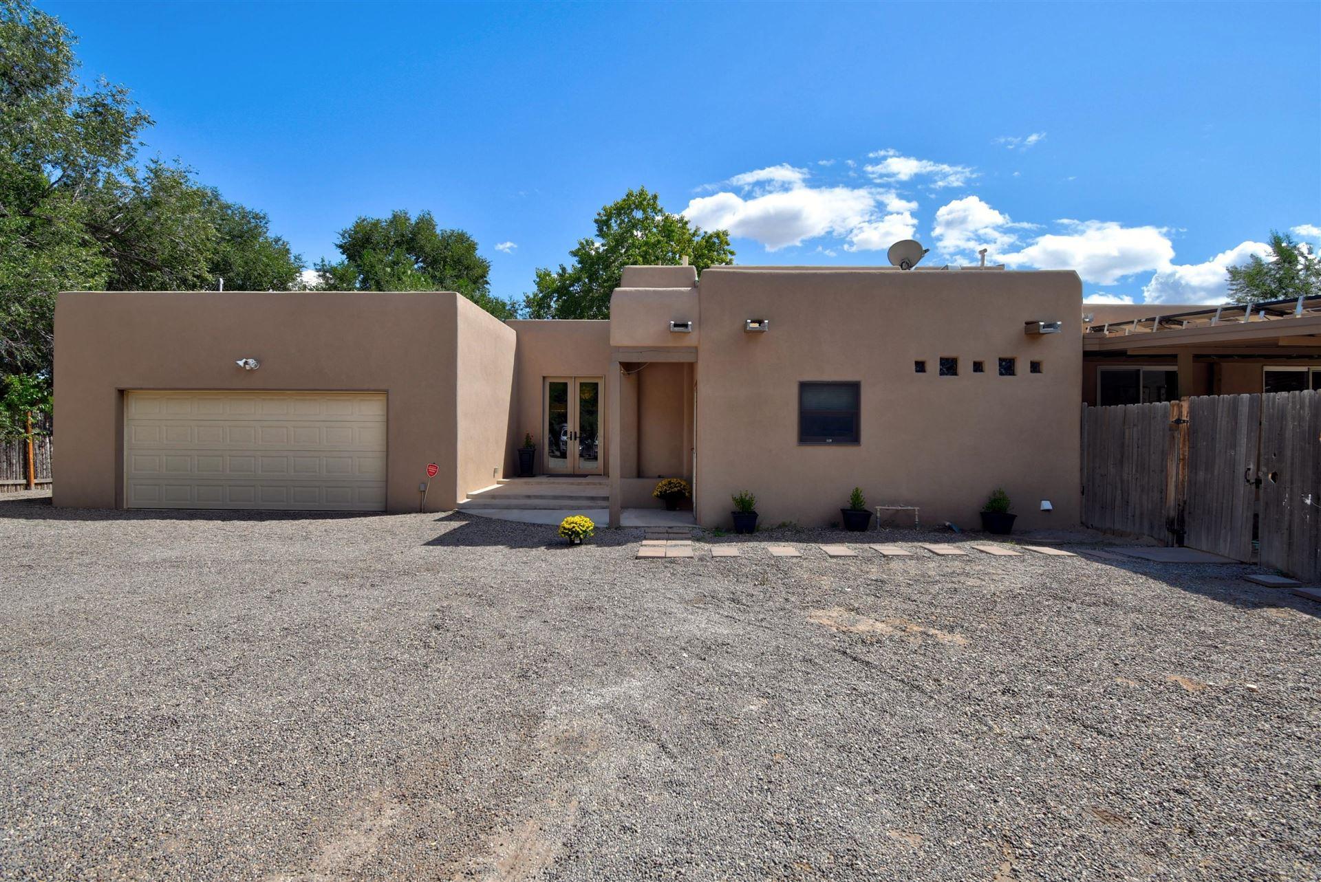 Photo of 2 CALLE DE LOS HOWARDS, Corrales, NM 87048 (MLS # 973586)