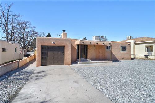 Photo of 305 CAGUA Drive NE, Albuquerque, NM 87108 (MLS # 986587)