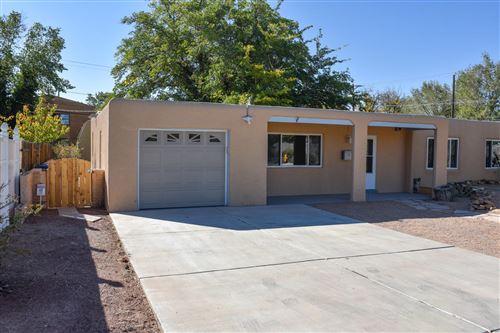Photo of 4602 CREST Avenue SE, Albuquerque, NM 87108 (MLS # 988587)