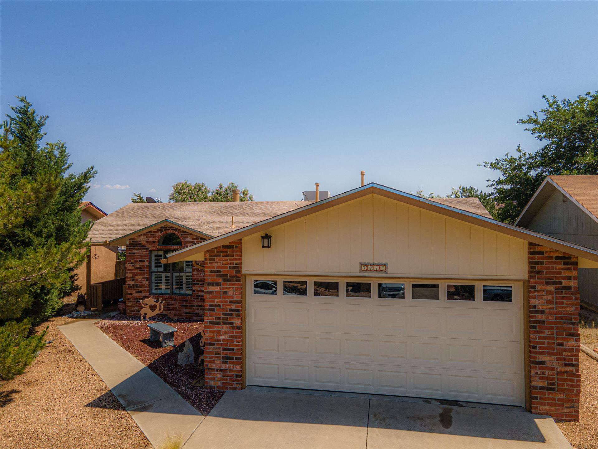 Photo of 7212 MINEHEAD Street NW, Albuquerque, NM 87120 (MLS # 994587)