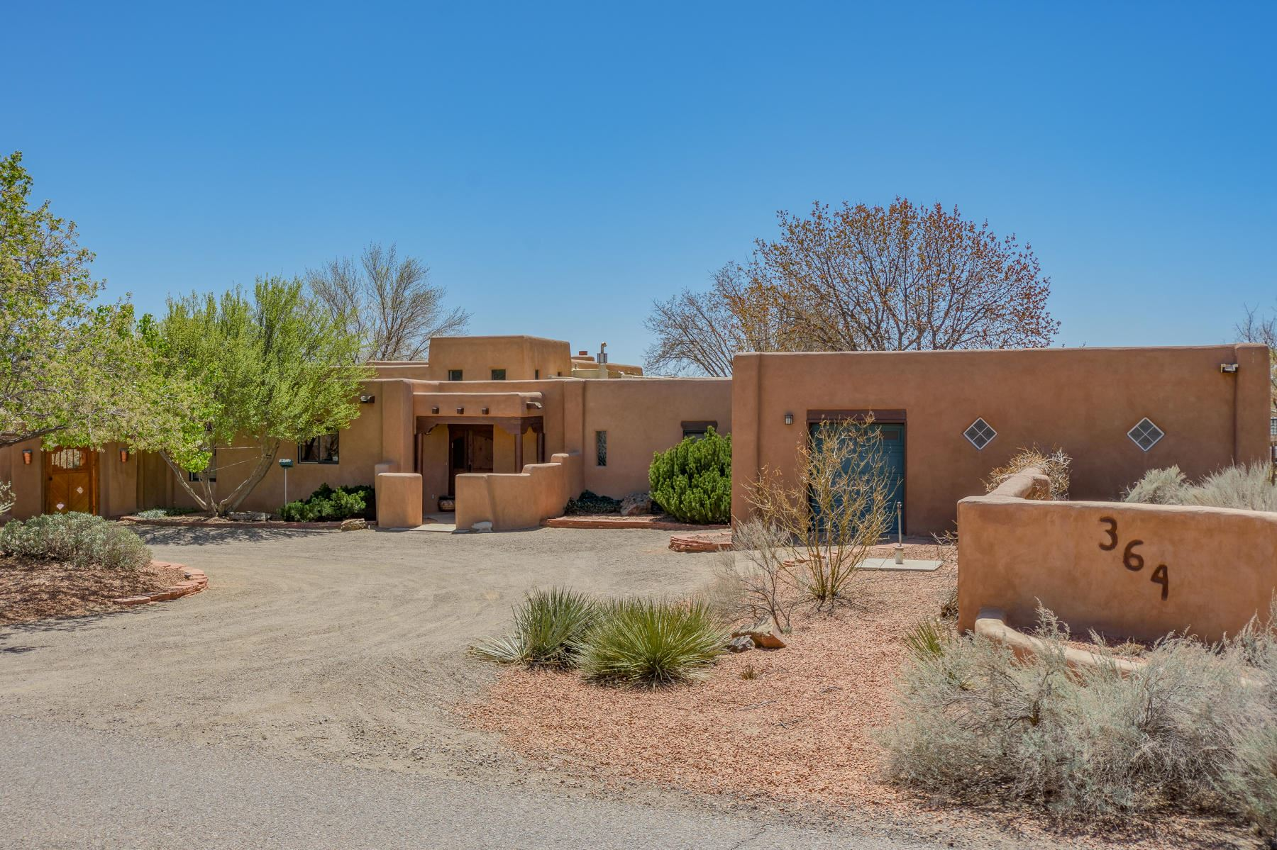 Photo of 364 MISSION VALLEY Road, Corrales, NM 87048 (MLS # 989589)