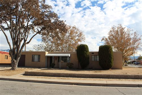Photo of 3300 PALOMAS Drive NE, Albuquerque, NM 87110 (MLS # 980596)