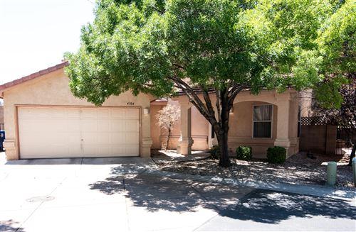 Photo of 4304 ALTURA MESA Lane NE, Albuquerque, NM 87110 (MLS # 996597)