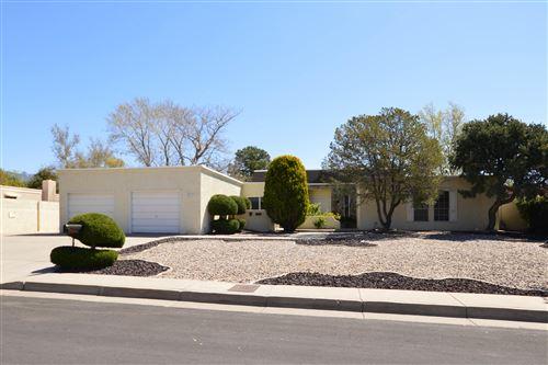 Photo of 5804 La Madera Road NE, Albuquerque, NM 87109 (MLS # 966599)
