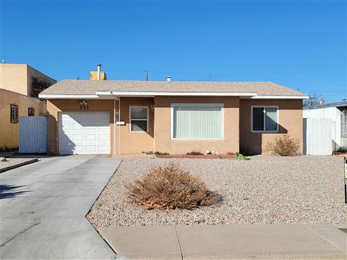 Photo of 235 MADISON Street NE, Albuquerque, NM 87108 (MLS # 985599)