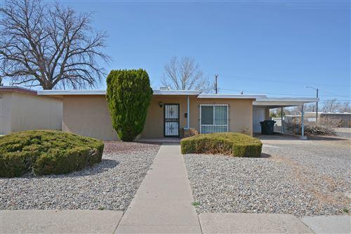 Photo of 419 ADAMS Street NE, Albuquerque, NM 87108 (MLS # 987602)