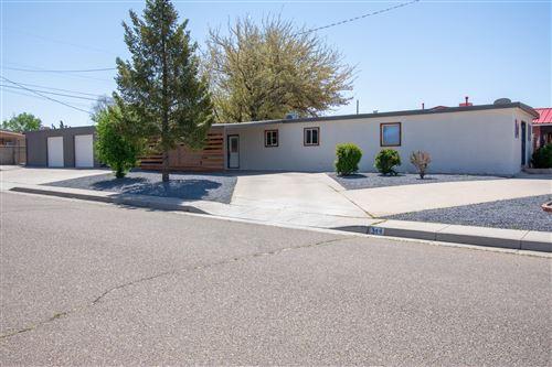 Photo of 344 ALTEZ Street NE, Albuquerque, NM 87123 (MLS # 989602)