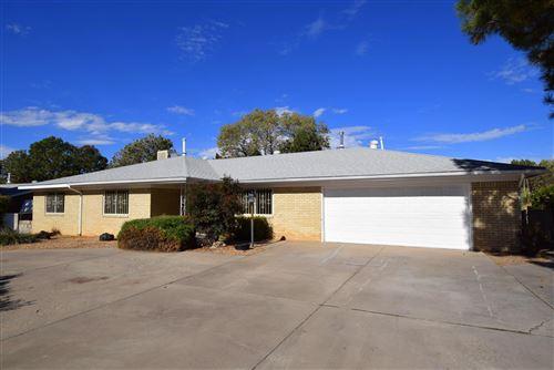 Photo of 6509 Arroyo Del Oso Avenue NE, Albuquerque, NM 87109 (MLS # 980605)