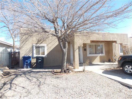 Photo of 216 MESILLA Street NE, Albuquerque, NM 87108 (MLS # 968607)