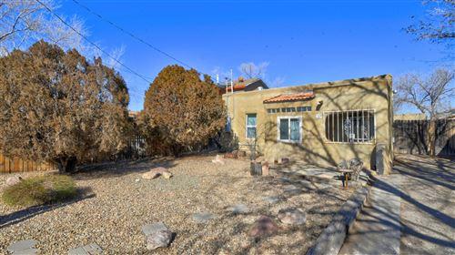 Photo of 209 HEADINGLY Avenue NW, Albuquerque, NM 87107 (MLS # 986607)