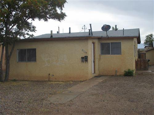 Photo of 807 AZTEC Road NW, Albuquerque, NM 87107 (MLS # 995620)
