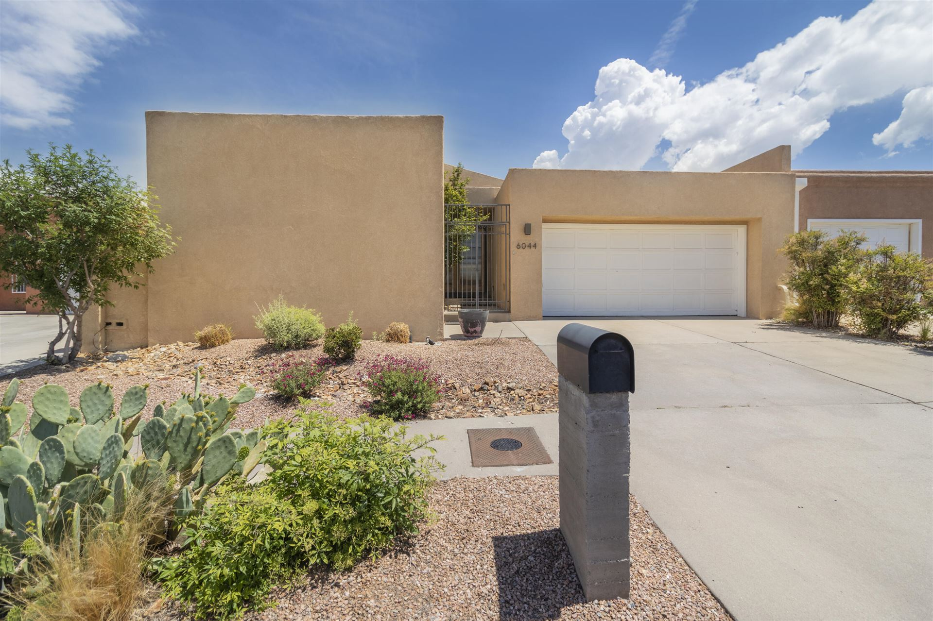 Photo of 6044 Vista Campo Road NE, Albuquerque, NM 87109 (MLS # 993622)