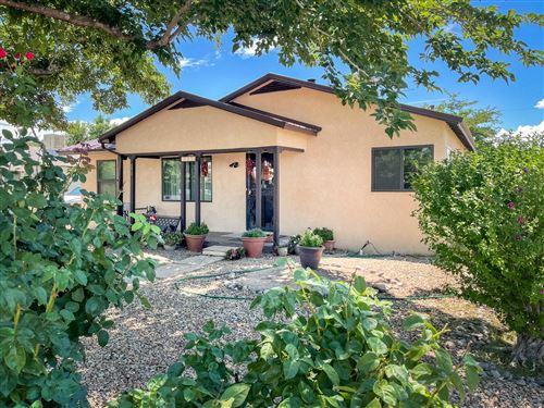 Photo of 4613 JUPITER Street NW, Albuquerque, NM 87107 (MLS # 995623)