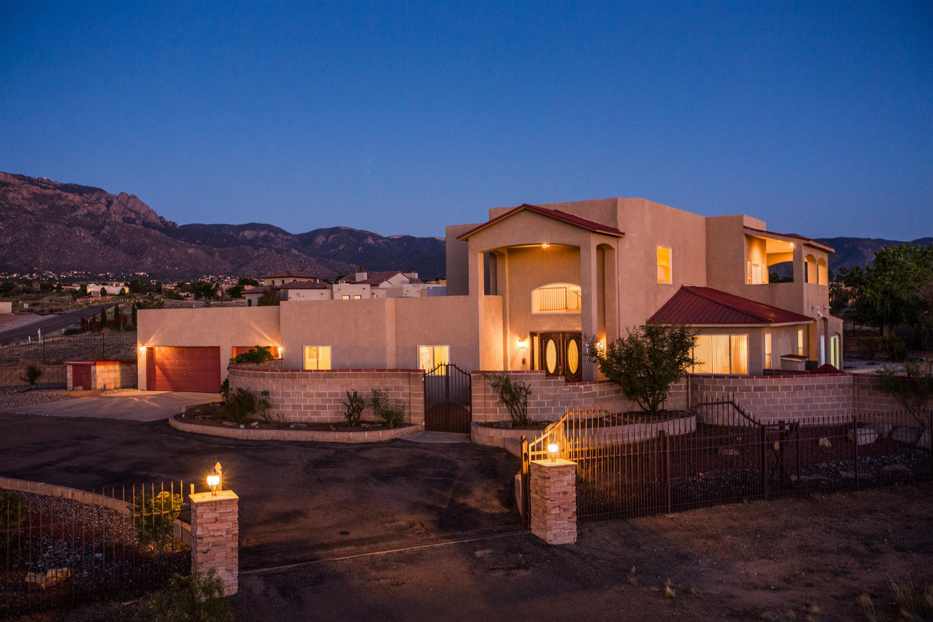 Photo of 9100 ELENA Drive NE, Albuquerque, NM 87122 (MLS # 1001624)