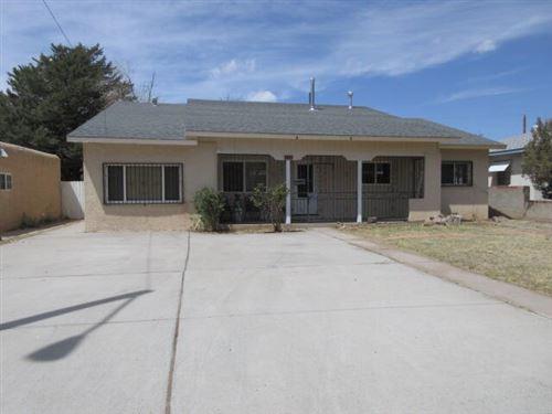 Photo of 813 INDIANA Street SE, Albuquerque, NM 87108 (MLS # 990626)