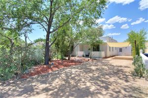 Photo of 305 Wellesley Drive SE, Albuquerque, NM 87106 (MLS # 948632)