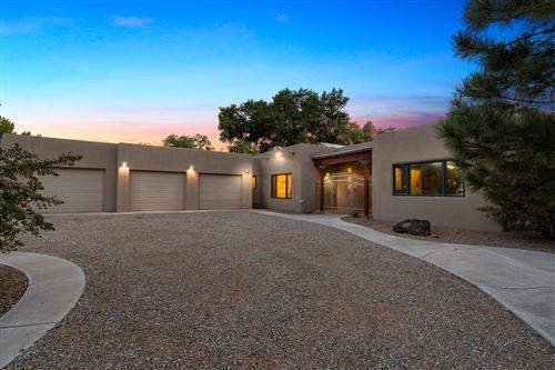 Photo of 315 LAGUNA SECA Lane NW, Albuquerque, NM 87104 (MLS # 997633)