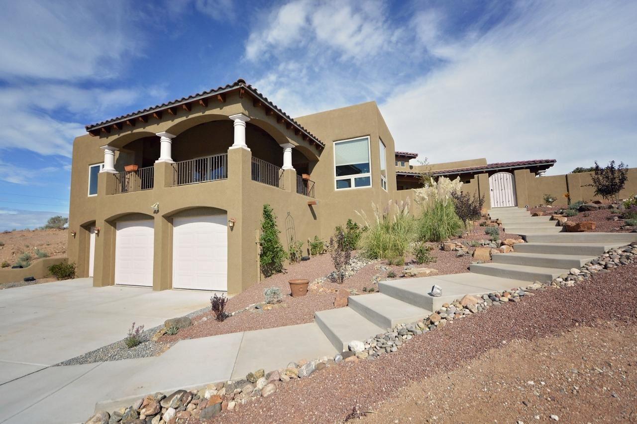 Photo of 1541 Nez Perce Loop NE, Rio Rancho, NM 87144 (MLS # 954635)