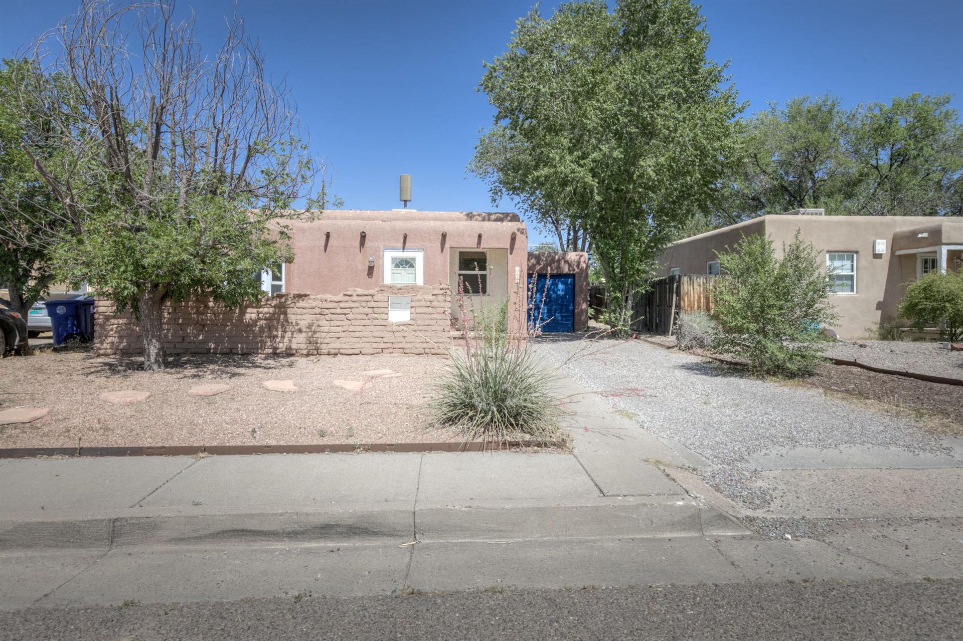 Photo of 1332 VASSAR Drive NE, Albuquerque, NM 87106 (MLS # 971639)
