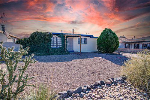 Photo of 1304 SPENCE Avenue SE, Albuquerque, NM 87106 (MLS # 980644)