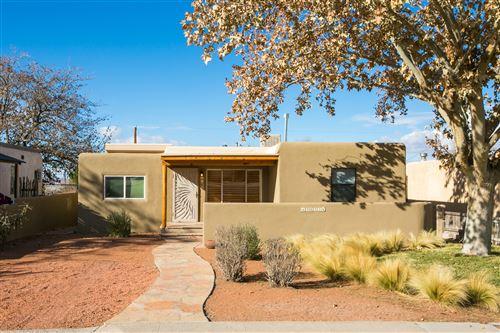 Photo of 1613 Princeton Drive SE, Albuquerque, NM 87106 (MLS # 981651)