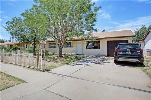 Photo of 229 CONCHAS Street NE, Albuquerque, NM 87123 (MLS # 971658)