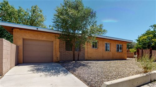 Photo of 400 Montclaire Drive SE, Albuquerque, NM 87108 (MLS # 971662)