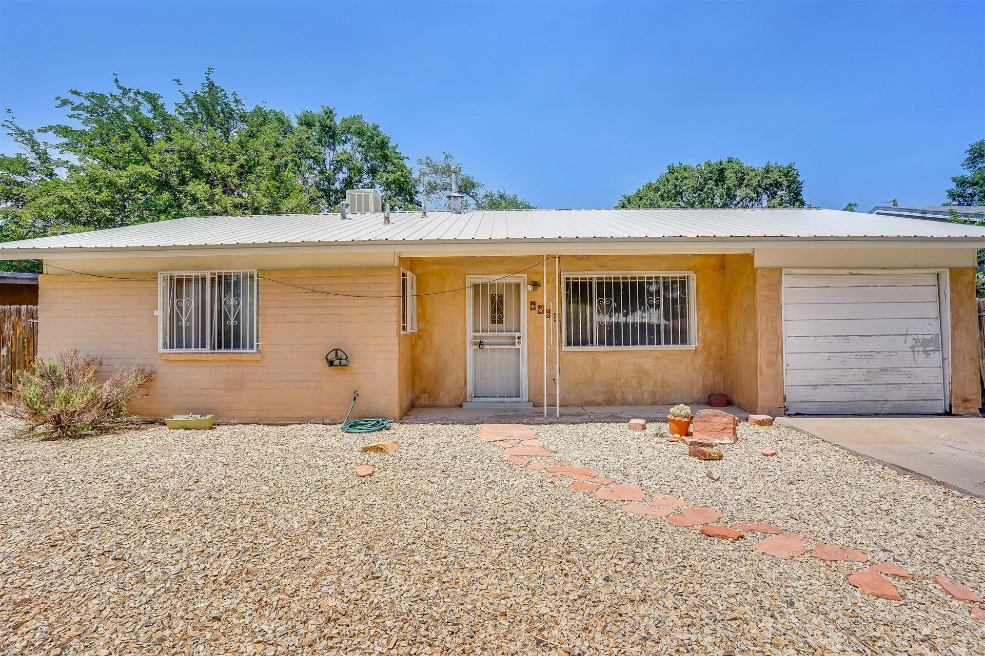 Photo of 2517 Desert Garden Lane SW, Albuquerque, NM 87105 (MLS # 994664)