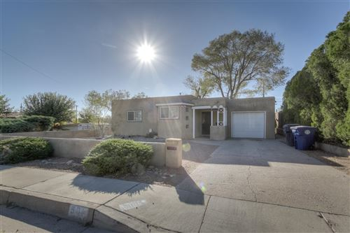 Photo of 501 DALLAS Street NE, Albuquerque, NM 87108 (MLS # 979668)