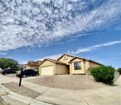 Photo of 11001 ANDALUSIAN Avenue SW, Albuquerque, NM 87121 (MLS # 1001673)
