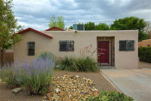 Photo of 1020 BELLROSE Avenue NW, Albuquerque, NM 87107 (MLS # 997677)