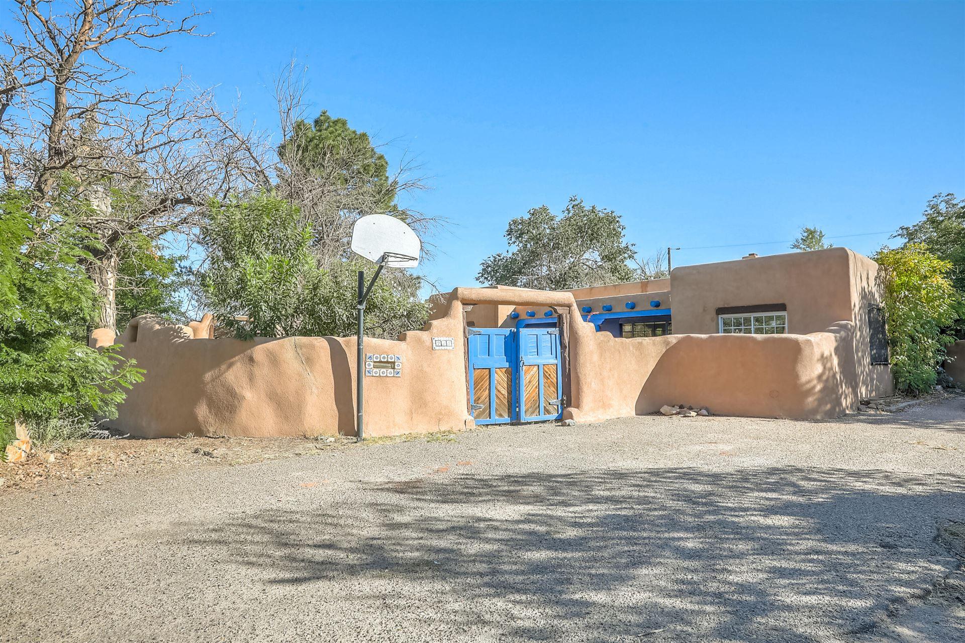 214 SHANGRI LA Court NW, Albuquerque, NM 87107 - #: 1000678