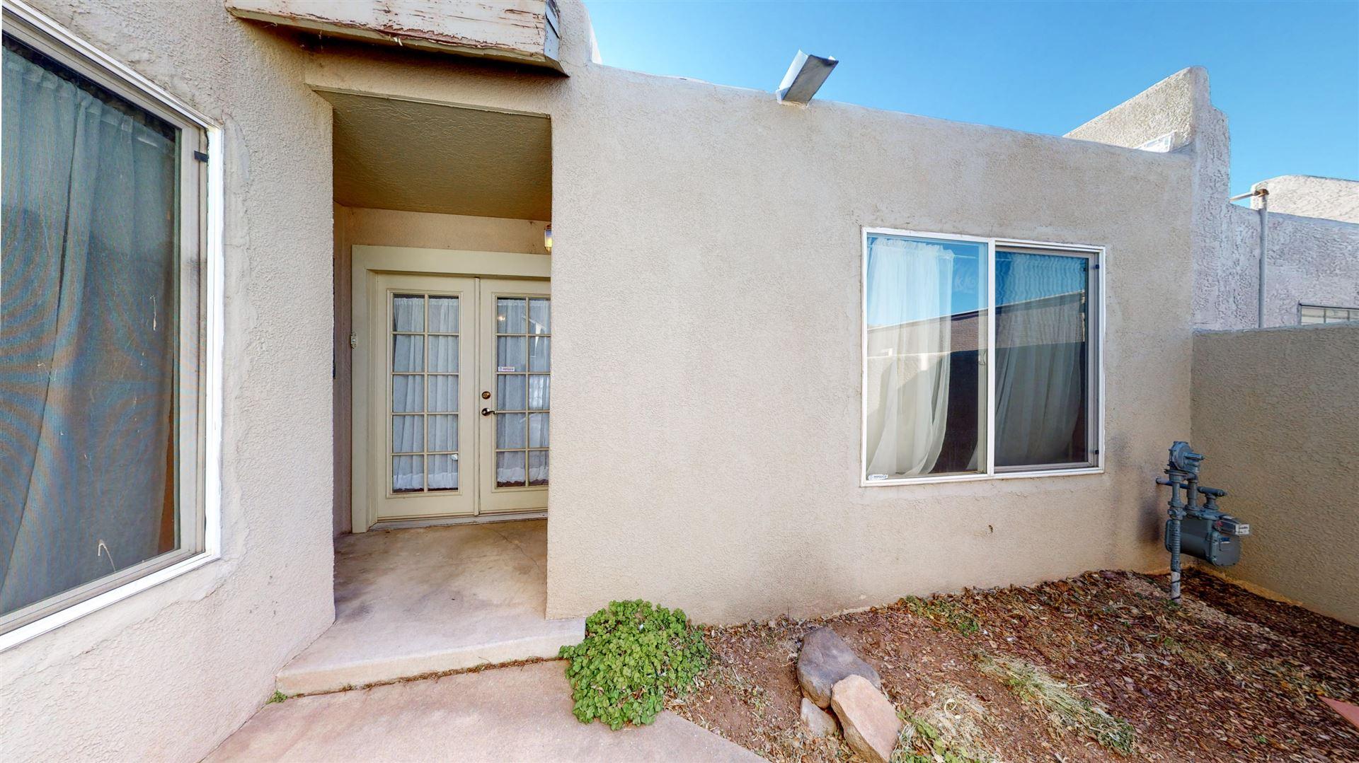Photo of 11632 CANDELARIA Road NE, Albuquerque, NM 87112 (MLS # 985680)