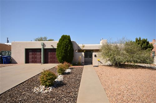 Photo of 217 MONROE Street NE, Albuquerque, NM 87108 (MLS # 979684)