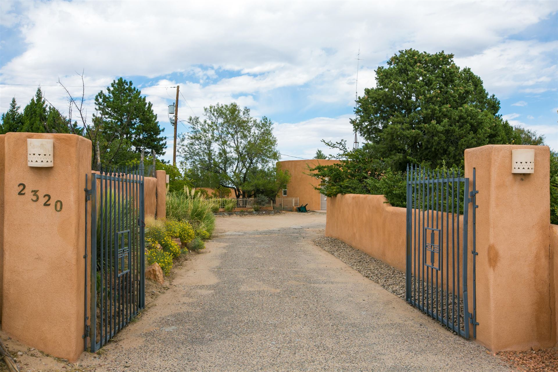 2320 LA VISTA Court NW, Albuquerque, NM 87120 - #: 974684