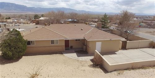 Photo of 10600 CALLE DE ELENA, Corrales, NM 87048 (MLS # 987687)