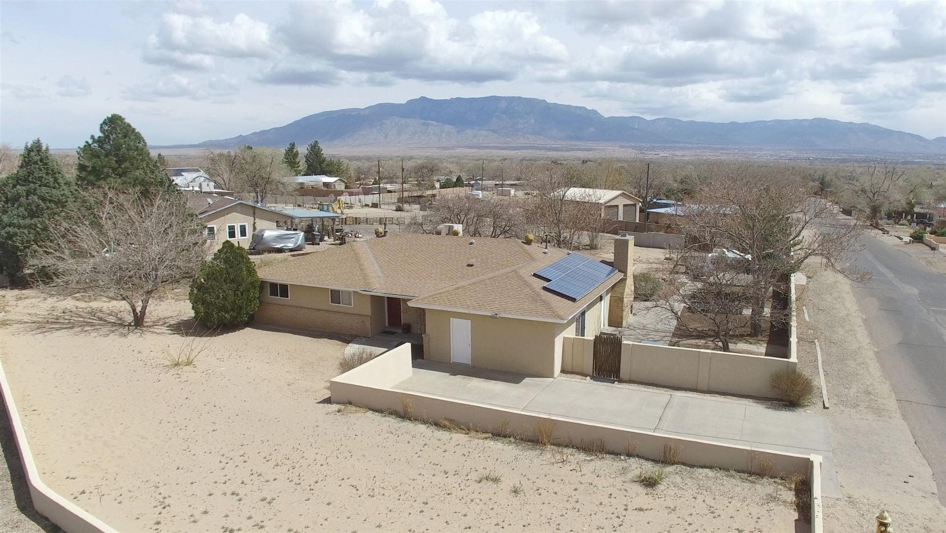 Photo of 10600 CALLE DE ELENA, Corrales, NM 87048 (MLS # 987687)