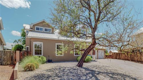 Photo of 1528 PHOENIX Avenue NW, Albuquerque, NM 87107 (MLS # 991688)