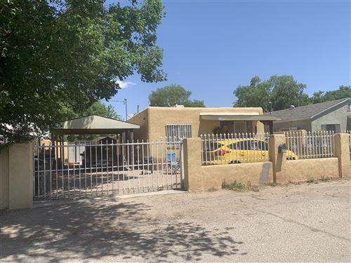 Photo of 837 Garden Road SW, Albuquerque, NM 87105 (MLS # 991692)