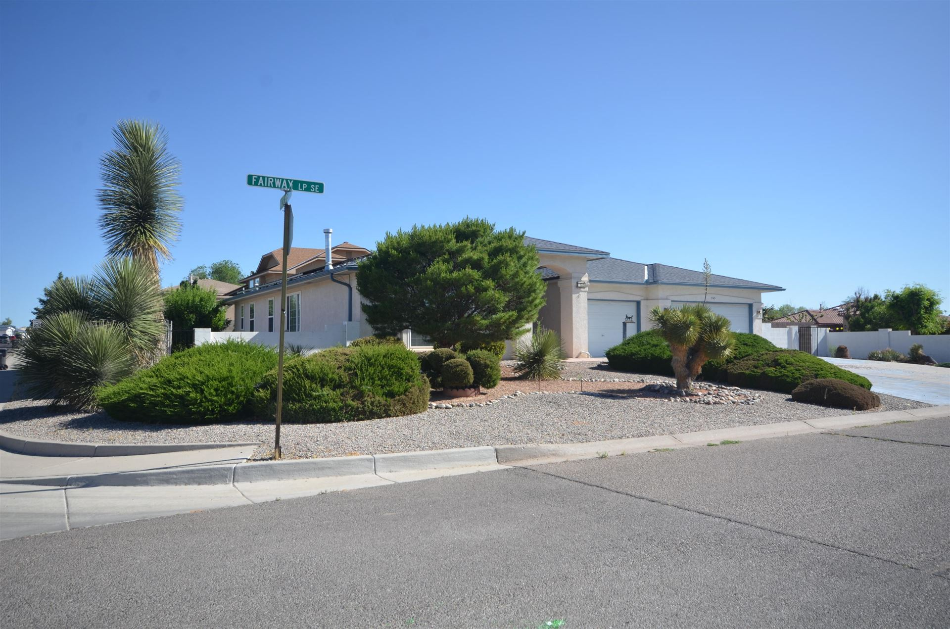 Photo of 765 Fairway Loop SE, Rio Rancho, NM 87124 (MLS # 971697)
