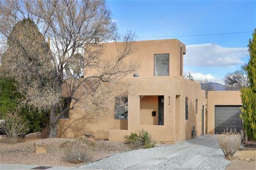 Photo of 624 MONROE Street SE, Albuquerque, NM 87108 (MLS # 986705)