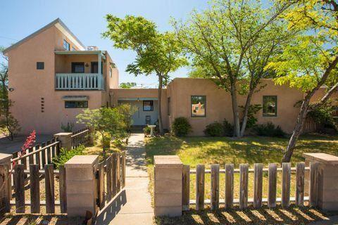 Photo of 3620 MONTE VISTA Boulevard NE, Albuquerque, NM 87106 (MLS # 986706)