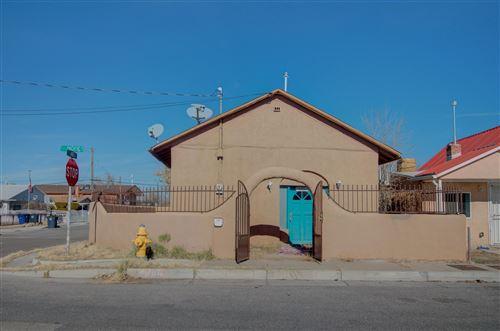 Photo of 445 PACIFIC Avenue SW, Albuquerque, NM 87102 (MLS # 965707)