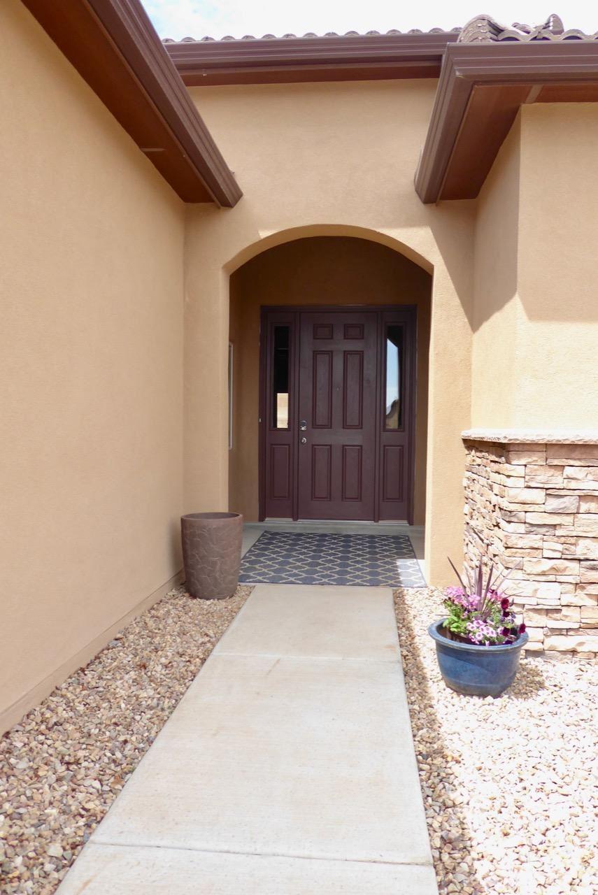 Photo of 709 Tiwa Lane NE, Rio Rancho, NM 87124 (MLS # 989708)