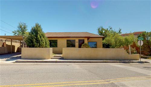 Photo of 1022 EDITH Boulevard NE, Albuquerque, NM 87102 (MLS # 974709)