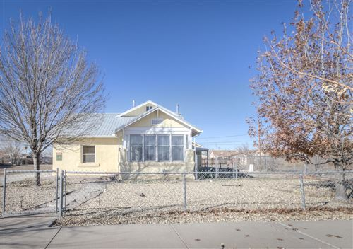 Photo of 1423 LOS TOMASES Drive NW, Albuquerque, NM 87102 (MLS # 983710)