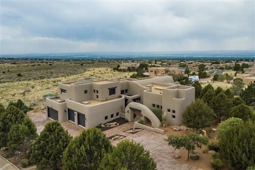 Photo of 6009 Beargrass Court NE, Albuquerque, NM 87111 (MLS # 947713)